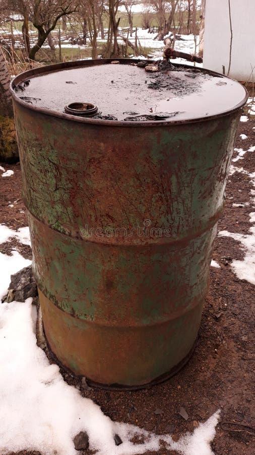 Barril de aceite viejo imagen de archivo libre de regalías