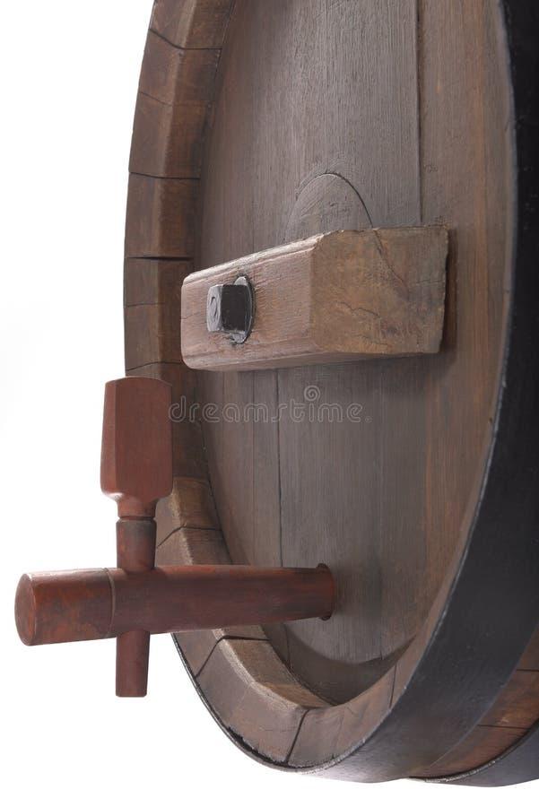 Barril de cerveza viejo con la espita foto de archivo