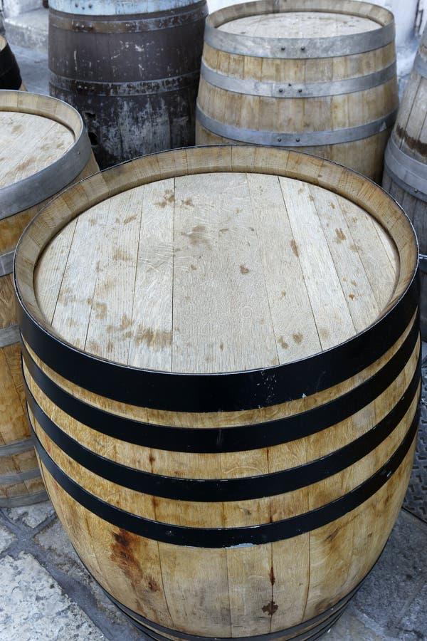 barril de vinho de carvalho de madeira imagens de stock royalty free