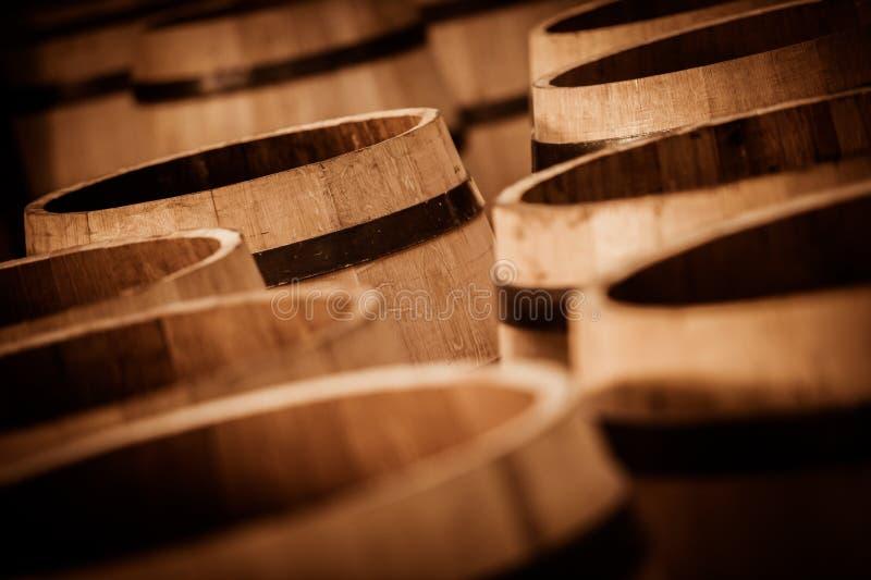 Barril que hace en Burdeos Wineyard imagen de archivo libre de regalías