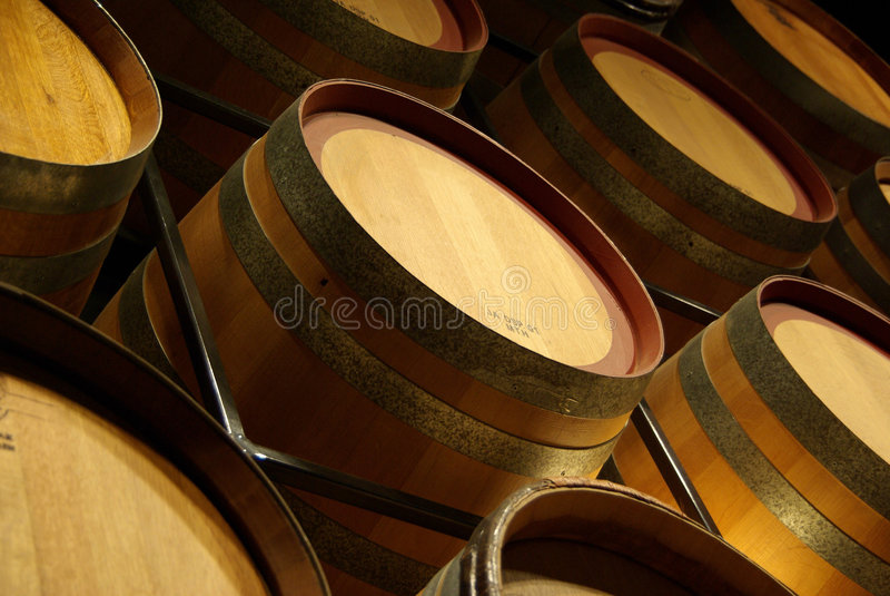 Barriles de vino imagen de archivo