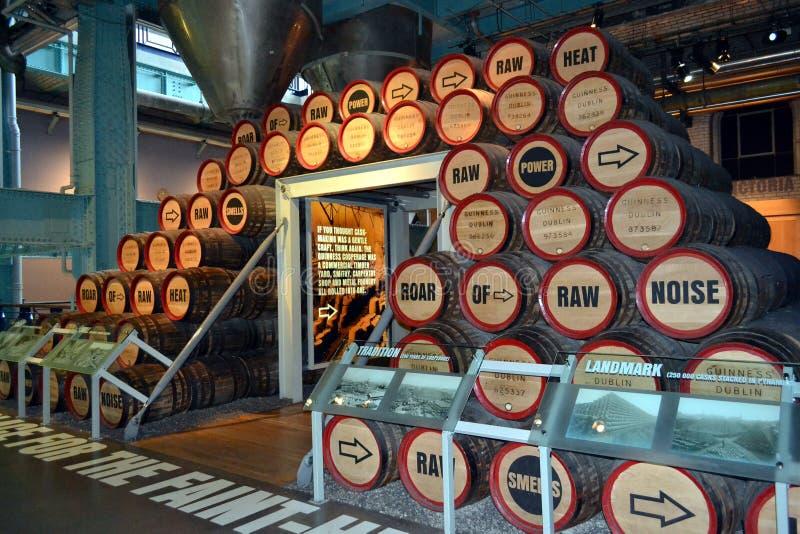 Barriles del almacén de Guinness fotografía de archivo