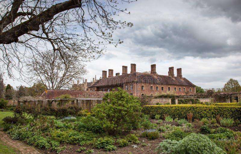 Barrington Court et jardins stupéfiants image libre de droits