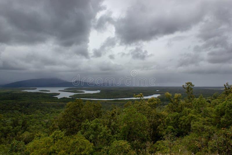 Barron峡谷国立公园a世界遗产名录空中风景视图在阿瑟顿平原在湿热带的石标高地  库存照片