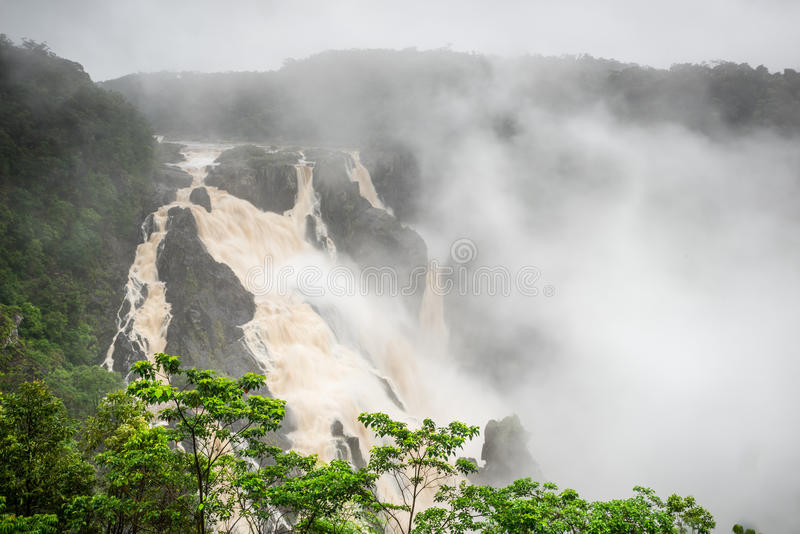 Barron Falls During The Wet säsong royaltyfri bild