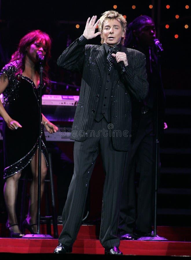 Barry Manilow se realiza en concierto imagenes de archivo