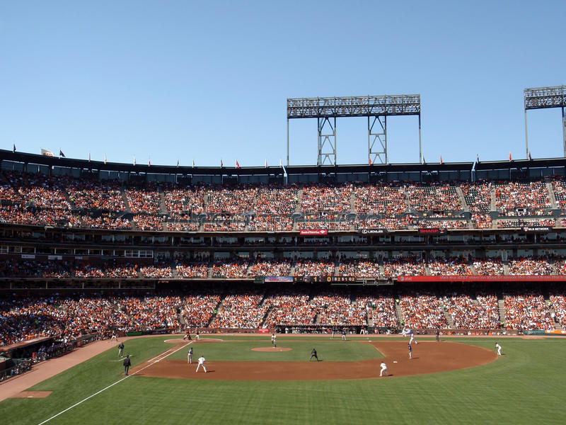 Download Barry Zito Lifts Leg To Throws Ball Bases Loaded Editorial Stock Image - Image: 16370579