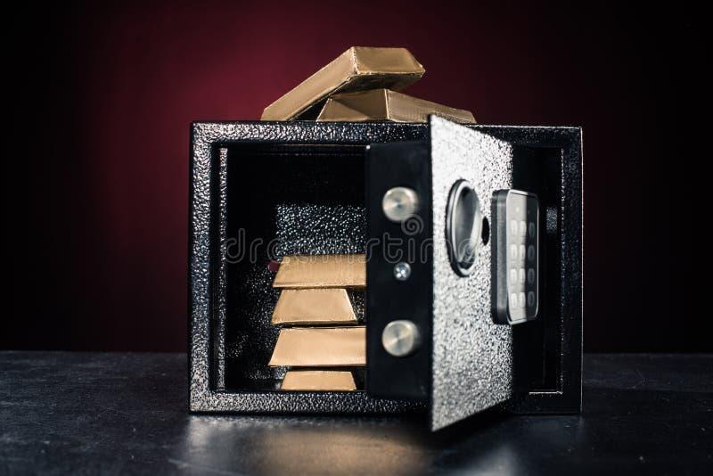 bars staplad guld fotografering för bildbyråer