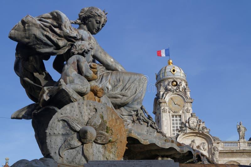 Bartholdi喷泉和市政厅 库存照片
