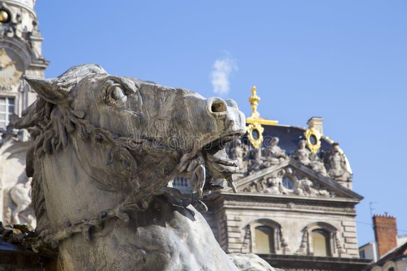 Bartholdi喷泉抽烟的马头雕象在地方des Terreaux的在利昂 免版税库存照片
