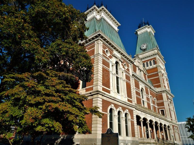 Bartholomew County Courthouse Columbus Indiana 1874 royaltyfri foto