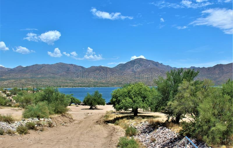 Bartlett δεξαμενή λιμνών, κομητεία Maricopa, κράτος φυσική άποψη τοπίων της Αριζόνα, Ηνωμένες Πολιτείες στοκ εικόνα με δικαίωμα ελεύθερης χρήσης