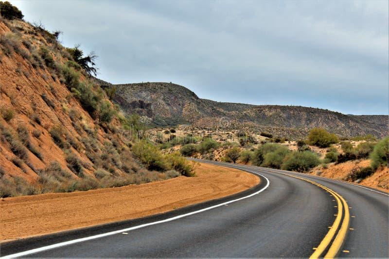 Bartlett Jeziorny rezerwuar, Maricopa okręg administracyjny, stan Arizona, Stany Zjednoczone sceniczny krajobrazowy widok zdjęcie royalty free