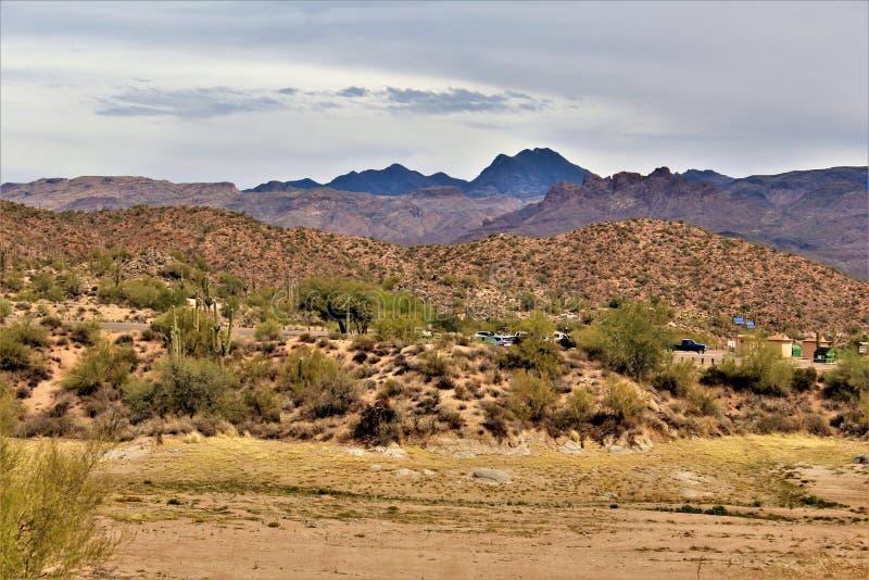 Bartlett Lake behållare, Maricopa County, tillstånd av Arizona, scenisk landskapsikt för Förenta staterna royaltyfria foton