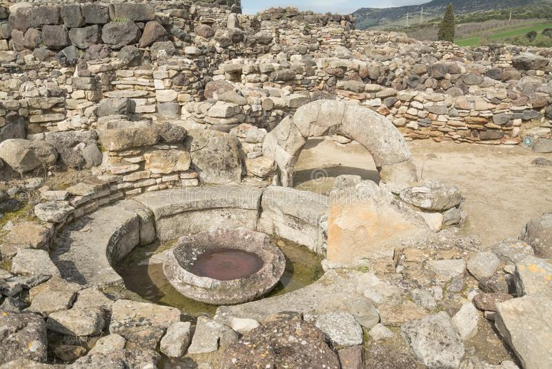 BARUMINI Sardinia, Italien - Februari 23, 2019: Fördärvar av Su Nuraxi nära Barumini i Sardinia royaltyfri bild