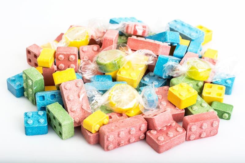 Barwiący chewy cukierki w formularzowym projektancie obraz royalty free