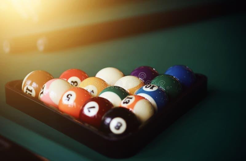 Barwić piłki dla gry Billiards i dwa wskazówka obrazy royalty free