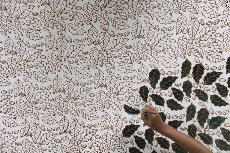 Barwić typowego Indonezyjskiego batikowego liścia motyw zdjęcie royalty free