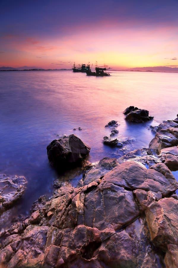 barwi ciemności horyzontalnego naturalnego fotografii morza wschód słońca fotografia royalty free