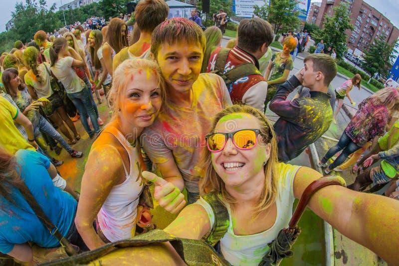 Download Barwi festiwal zdjęcie stock editorial. Obraz złożonej z proszek - 57665243