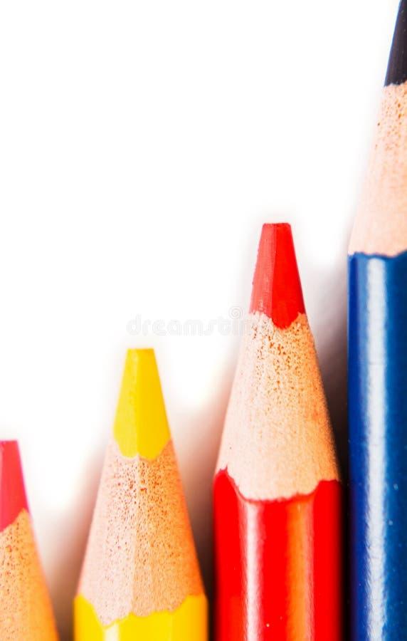 Barwi ołówki odizolowywających na białym tle, makro- widok zdjęcia royalty free