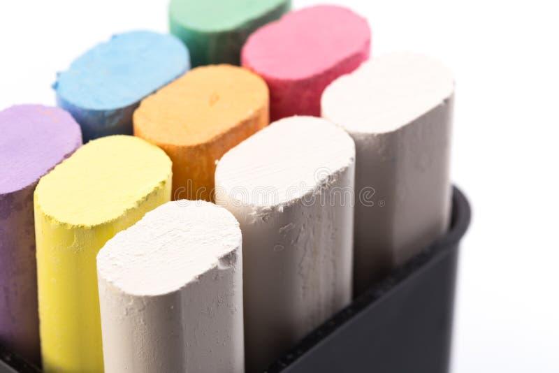 Barwiona kreda dla rysować na białym tle - wizerunek obrazy stock