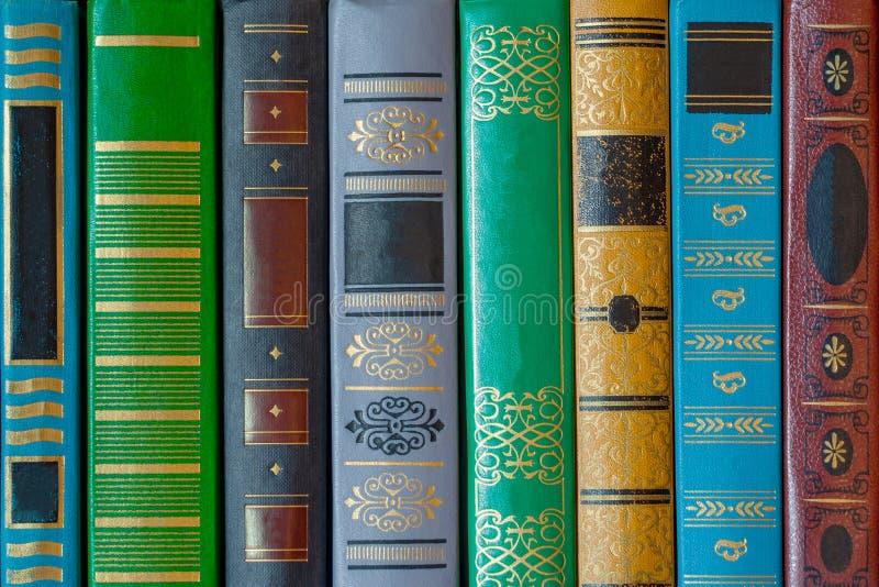 Barwiona książki pokrywa z wzorami zbliżenie, tekstura, tło zdjęcia royalty free