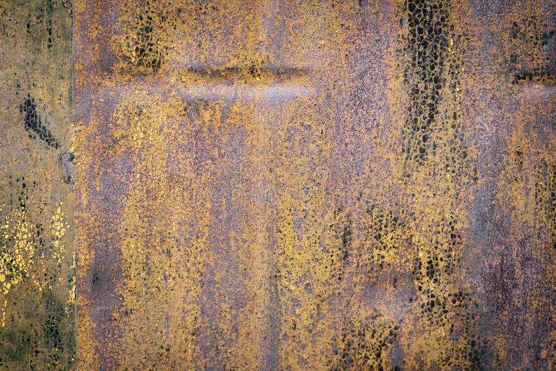 Barwiona ośniedziała żelazo ściana obraz stock