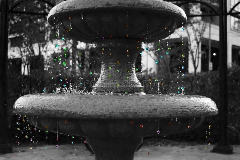 Barwione krople od fontanny obraz royalty free
