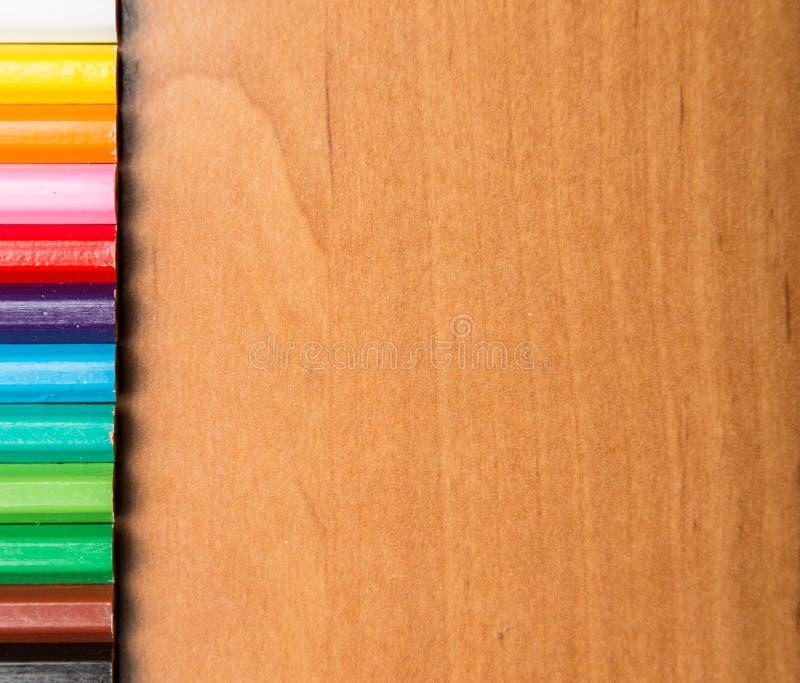Barwione Ołówkowe końcówki na drewnie fotografia royalty free