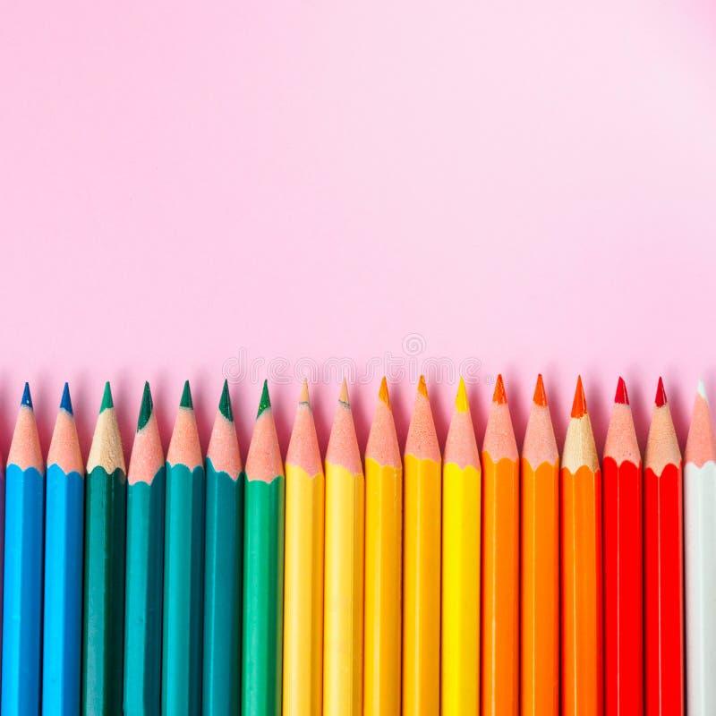 Barwiony ołówek na papierowym tle dla rysunkowego koloru okręgu obrazy royalty free