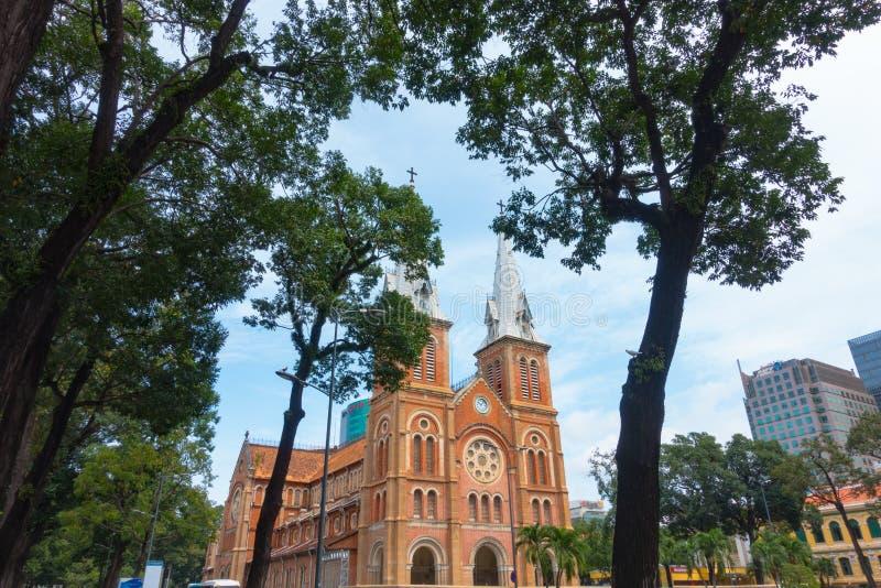 Basílica da catedral de Notre-Dame de Ho Chi Minh City - em setembro de 2017, Ho Chi Minh City, Vietname imagem de stock