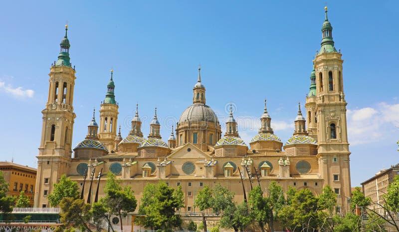 Basílica de nossa senhora da coluna é reputado ser a primeira igreja dedicada a Mary na história, Zaragoza, Espanha fotografia de stock royalty free