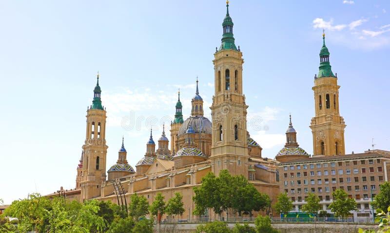 Basílica de nossa senhora da coluna é reputado ser a primeira igreja dedicada a Mary na história, Zaragoza, Espanha foto de stock
