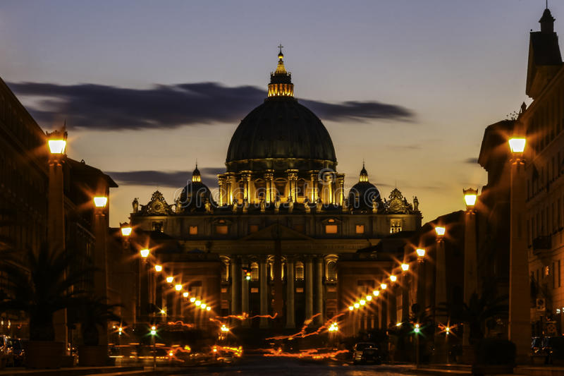 Basílica de Peter de Saint na Cidade do Vaticano. foto de stock royalty free