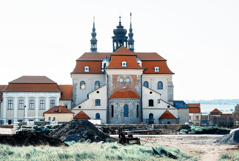 Basílica de Saint Cyrillus e Methodius em Velehrad fotos de stock royalty free