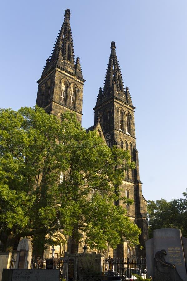 Basílica de San Pedro y de San Pablo con el cementerio histórico asociado fotos de archivo libres de regalías