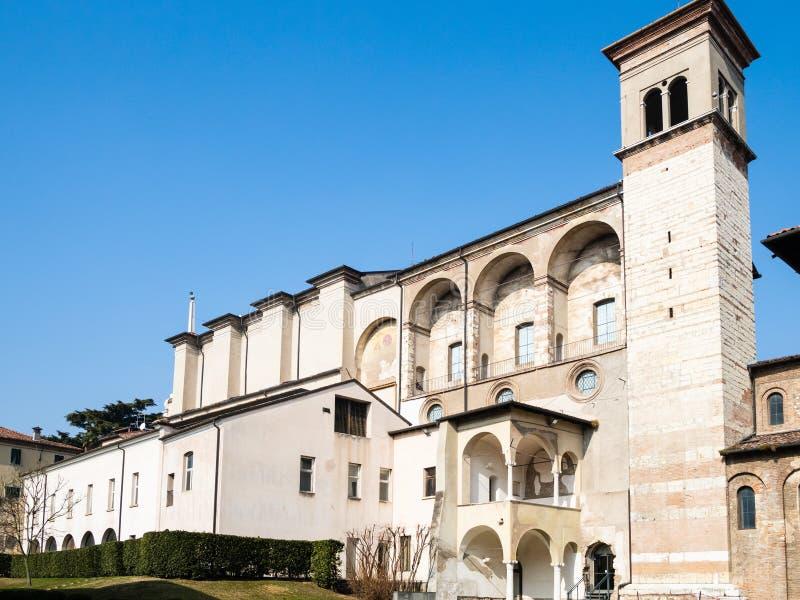 Basílica de San Salvatore na cidade de Bríxia fotos de stock royalty free