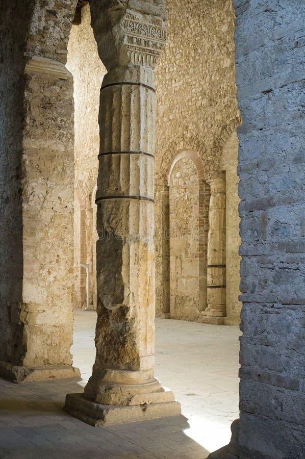 Basílica de San Salvatore Spoleto, italy foto de stock royalty free