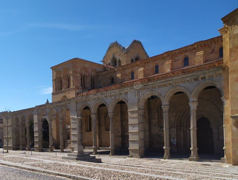 Basílica de San Vicente con los arcos hermosos, en Ávila fotografía de archivo