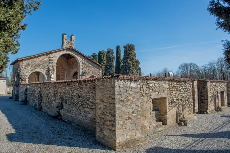 Basílica de Santa Giulia de Bonate Sotto imagen de archivo
