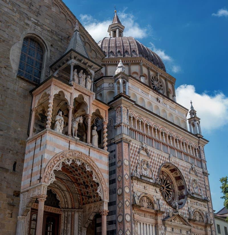 Basílica de Santa Maria Maggiore Indicador decorativo de um tenement histórico r inside imagens de stock