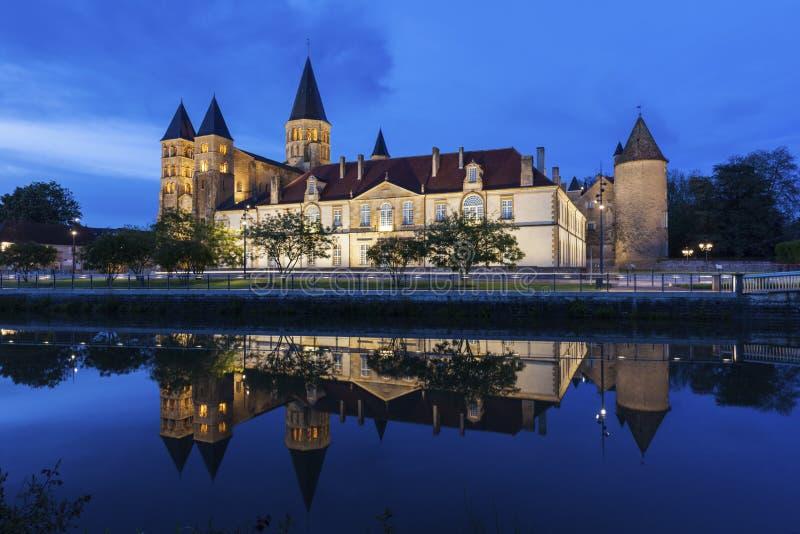 Basílica del Paray-le-Monial fotografía de archivo libre de regalías