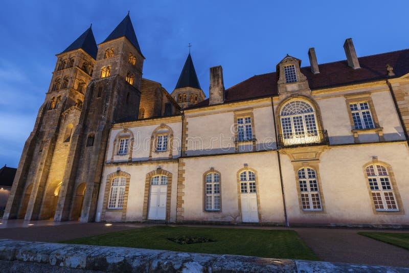 Basílica del Paray-le-Monial imagenes de archivo