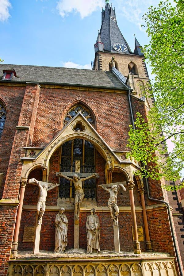 Basílica del St Lamberto en el viejo centro de ciudad de Düsseldorf fotos de archivo libres de regalías