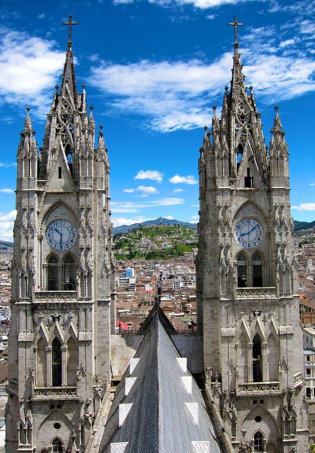 Basílica del Voto Nacional em Quito, Equador fotos de stock royalty free