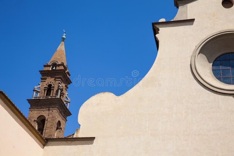 A basílica do Espírito Santo construiu 1487 em Florença imagens de stock