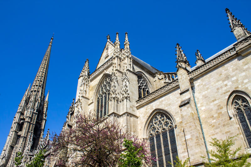A basílica do Saint-Michel no Bordéus, França imagens de stock royalty free