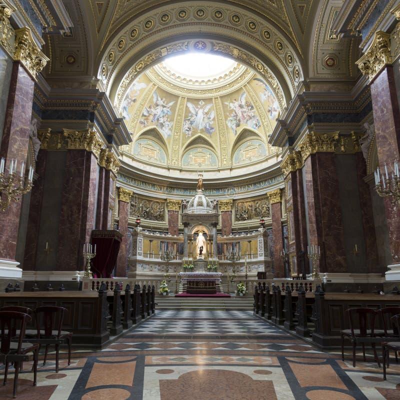 Basílica do St. Stephen, panorama da parte central imagens de stock royalty free