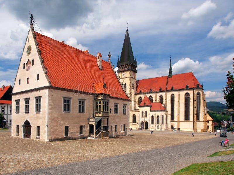 Basílica e câmara municipal, Bardejov, Eslováquia foto de stock royalty free